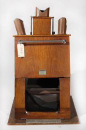 A shoe fitting fluoroscope 'cancer box'